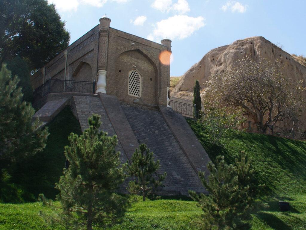 Mausoleum-of-St.-Daniel-in-Samarkand