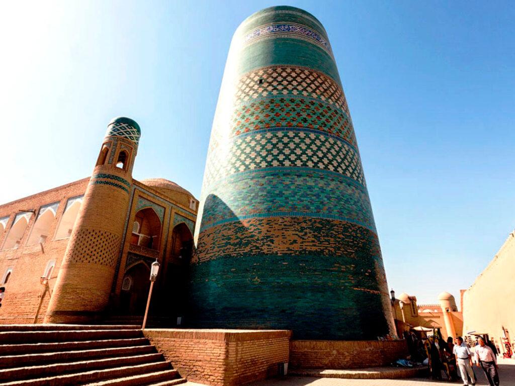 Minaret-Kalta-Minar