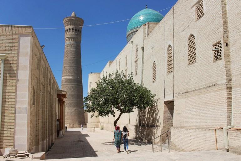 Poi-Kalon-minaret-Bukhara