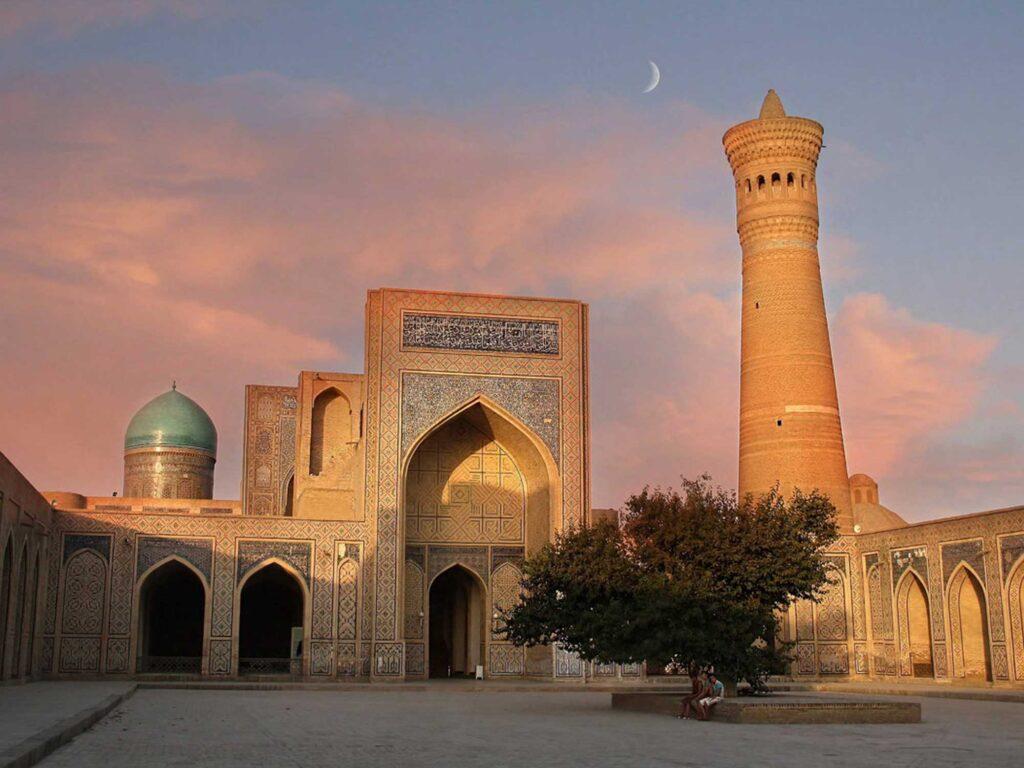 The Kalyan mosque and the Miri-Arab madrasah